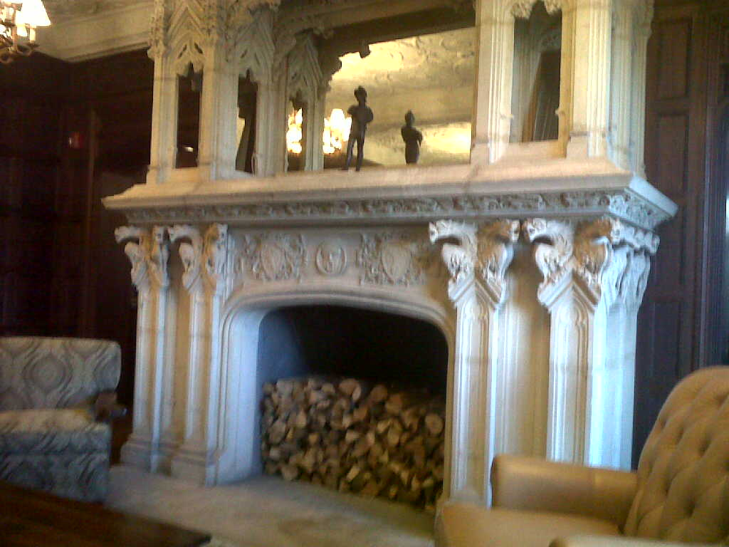 17th Century Fireplace - Milll Neck Manor