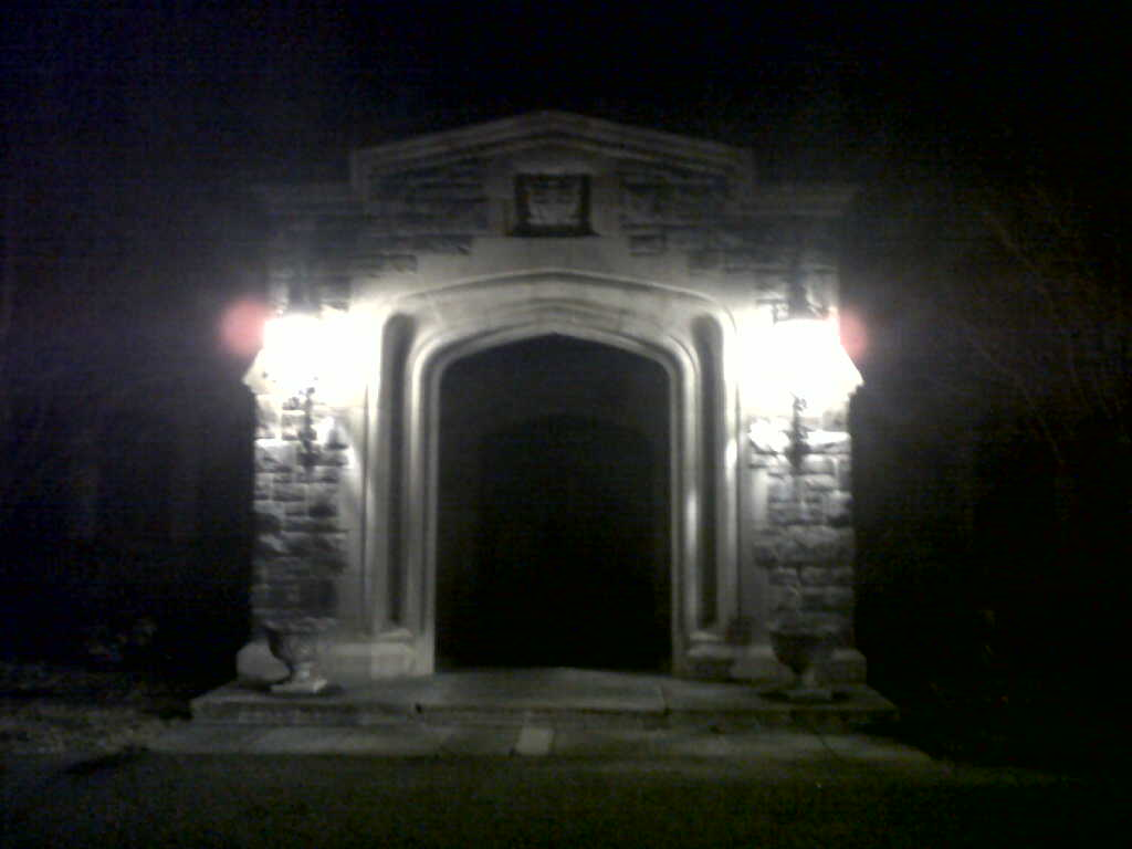 Mill Neck Manor Entrance